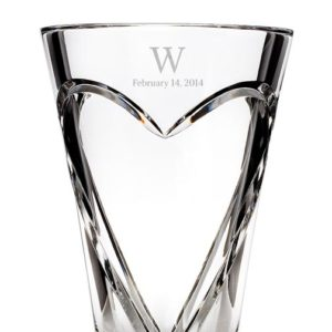 Not sure what to gift your employees for special occasions? Let us help you find the perfect way to recognize their accomplishments with Crystal Vases Gift.
